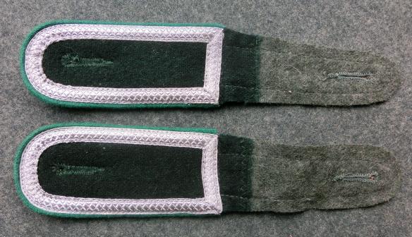 緑陸軍軍曹肩章
