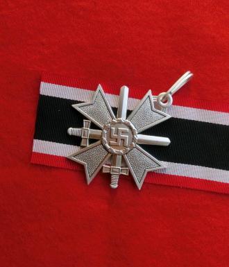 剣付戦功騎士十字シルバー色章