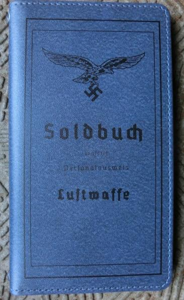 LW空軍手帳型スマフォケース