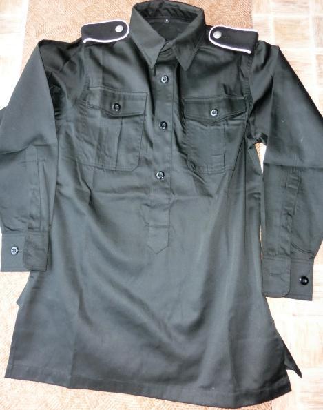黒プルオーバーシャツ(廉価肩章つき)