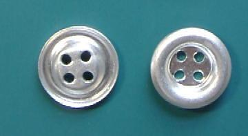 4穴皿金属ボタン