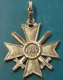 金剣付戦功騎士十字ゴールド章