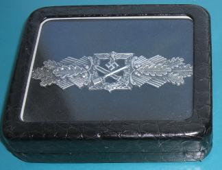 窓付きコンパクト型勲章収納ケース