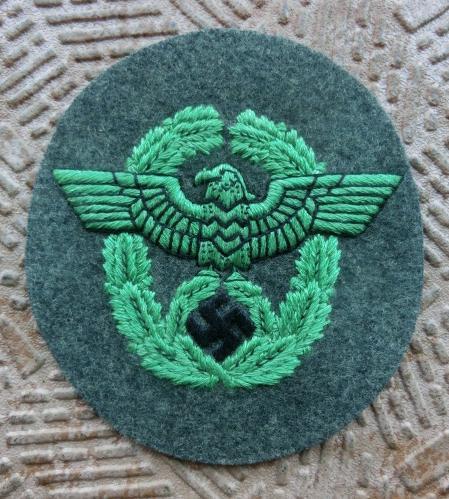 警察腕用鷲章