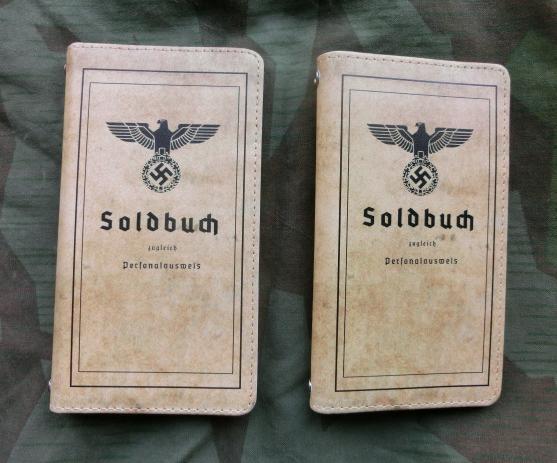 国防軍手帳型スマフォケース
